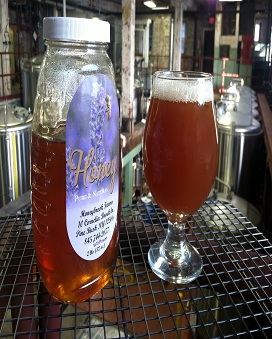Weizenbock with a crafty twist: honey, chamomile, and lemon peel.